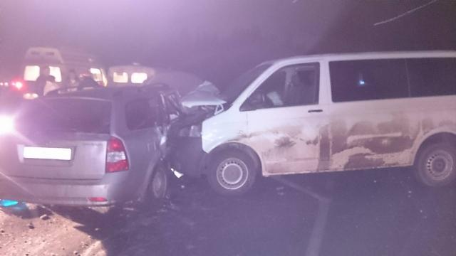 В результате ДТП около деревни Володино пострадали два человека