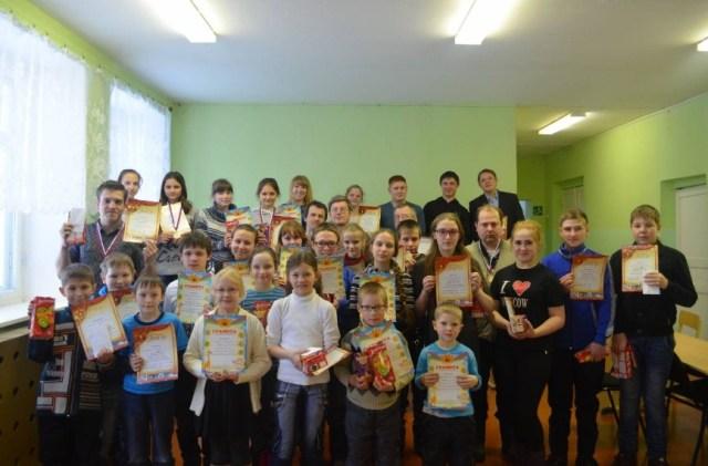 В деревне Михайловское прошло девятое открытое личное первенство Судиславского района по русским шашкам.