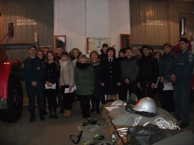 Юные инспекторы дорожного движения поселка Судиславль побывали в гостях у спасателей пожарной части №26