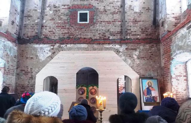 На возрождение храма в селе Жвалово требуется помощь