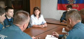 Судиславские госавтоинспекторы напомнили правила дорожной безопасности коллегам из МЧС