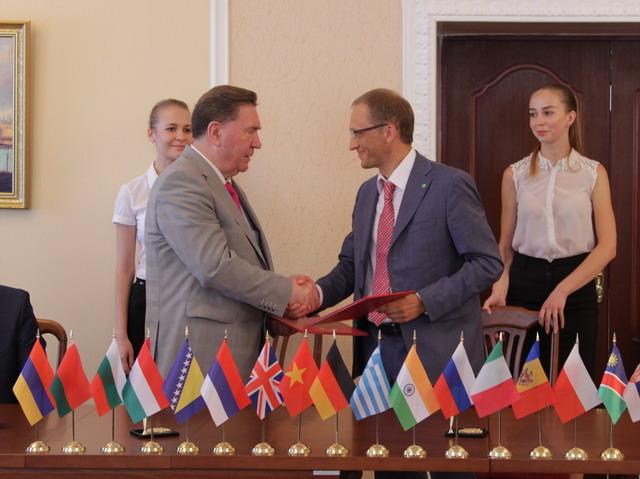 Подписано соглашение о сотрудничестве между Курским отделением ПАО Сбербанк и администрацией Курской области