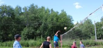 В Петряево сотрудники учреждений УФСИН приняли участие в соревнованиях по футболу и волейболу