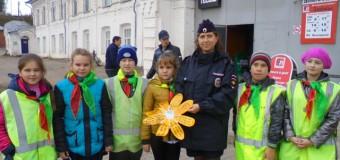 Целевую акцию  «Навстречу безопасности» организовали дорожные полицейские из Судиславля накануне празднования Международного дня  пожилых людей