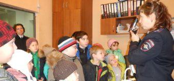 Судиславская полиция провела экскурсию «День открытых дверей».