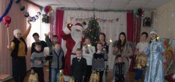 Сотрудники Судиславской полиции  и общественность присоединились к Всероссийской акции полицейский Дед Мороз