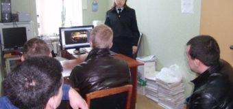 В Судиславле дорожные полицейские организовали профилактическое занятие для осужденных лиц, состоящих на учете в УИИН