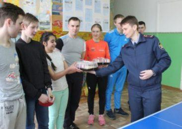 Сотрудники ОО КПБСТИН выступили организаторами соревнований по настольному теннису для расловских подростков