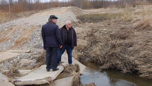 В Судиславском районе никто не хочет ремонтировать трубопереезд через реку Корба