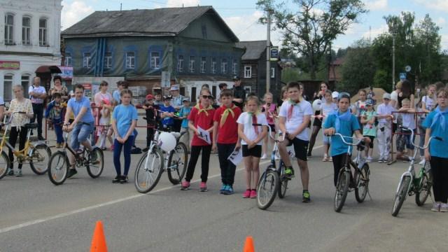 12 июня центральная площадь Судиславля превратилась в велодром