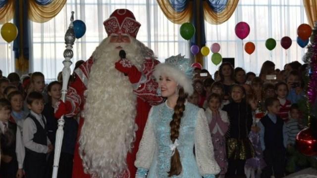 10 юных судиславцев приняли участие в Новогодней Губернаторской елке 22 декабря 2017 года