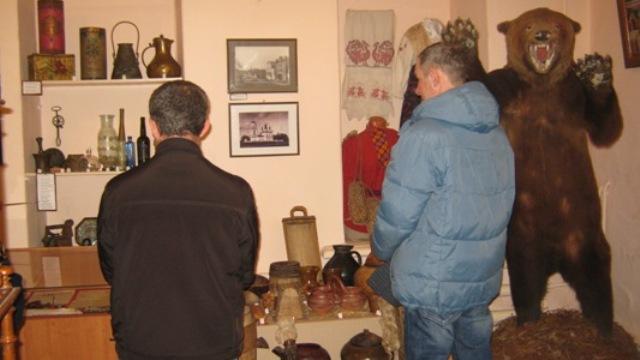 Для условно осужденных, проживающих в Судиславском районе, сотрудники уголовно-исполнительной инспекции организовали экскурсию в местный краеведческий музей
