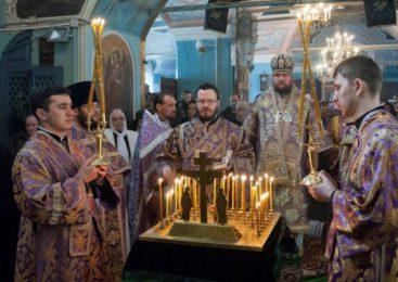 Божественная литургия состоялась в храме Преображения Господня поселка Судиславль